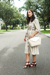 Lisa Gonzalez - Monsoon Dress, Kate Spade Bag - Easy / Breezy