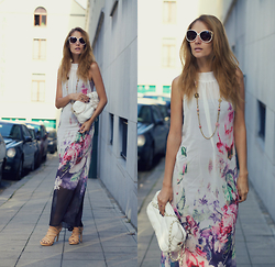 Ruxandra Ioana - New Dress Maxi - Chill out vibes