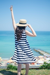 Dorina Daniela - H&M Hat, Yesfor Striped Dress - I need vitamin Sea!