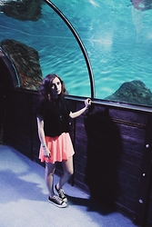Oksana X. - H&M T Shirt, Topshop Skirt, Converse Shoes - Aquarium
