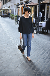 Michal Shulman - Topshop Top, Levi's® Jeans, H&M Shoes, Chanel Bag - On the streets of Rome