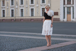 Alena Noskova - Topshop Skirt, H&M Top - Flowers