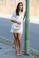 Margot Guilbert - Chloé Drew Bag, Suede Wedges, Ma Garderobe Lace Dress, Earrings, Essie Romper Room - Dentelle & Pastel