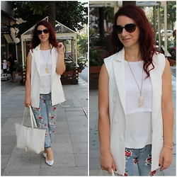 Rebel Takipte - Rosewholesale Jeans, Jessica Buurman White Shoes - Sleeveless Blazer