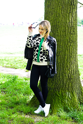 Victoria S. - Nike Sneakers, Rich&Royal Leather Jacket, Être Cécile Knit Jumper, Monki Skinny Jeans - Londoner off duty...