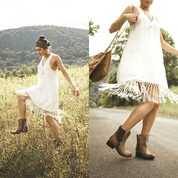 Jessica B. - Little Mistress Dress, Freebird Boots - Free spirit