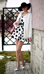 Kamila Krawczyk - Axparis Dress, Choies Faux Fur, Choies Hat, Persunmall Shine Shoes - Dots dress
