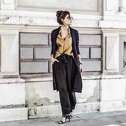 @giomeyer - Raquel Allegra Silk Pants, H&M Coat, Balenciaga Sunglasses - All about Silk | Raquel Allegra