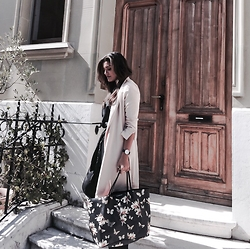 @giomeyer - Mango Coat, Givenchy Bag, Daniel Wellington Watch - Fashion Lovers