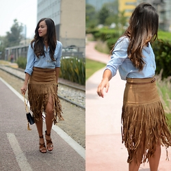 Gaby Gómez MODA CAPITAL - Shein Skirt, Gap Shirt, Ysl Bag - Fringe life!
