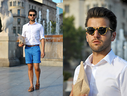 Marc Galobardes - H&M Shirt, H&M Shorts, Zara Mocassins - BARCELONA