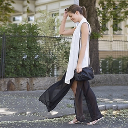 Ina Nuvo - Humanic Sandals, Skirt Maxi, Liebeskind Bag, Mango Vest - Strolling through Vienna