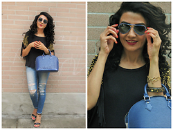 Well-Put-Together WPT - Michael Kors Top, Chloé Sandals, Joe's Jeans, Louis Vuitton Bag, Ray Ban Sunglasses - Wearing Jeans
