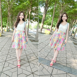 Momo Liu - Dazzlin Flower Skirt, Randa Red Heels, Lily Brown White Knitted - Color day