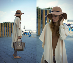 Ruxandra Ioana - Cndirect Loose Coat - Effortless