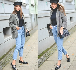 "Stephanie Van Klev - Elbsegler Hat, Isabel Marant Oversize Blazer, United Colors Of Benetton Turtleneck Sweater, Monki Mom Jeans, Tod's Loafers, Chanel Bag - ""MAMA'S JEANS"" & LOAFERS FROM TOD'S"