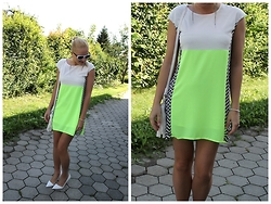 Gosia Borychowska - Dressgal Dress, Zign High Heels, Dressgal Bracelet - Chic green dress
