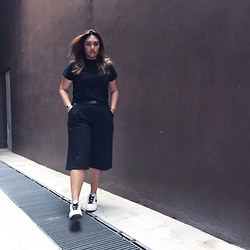Stephanie Chun - Zara Turtle Neck, Zara Denim Culottes - Stuck somewhere between try harder and why bother