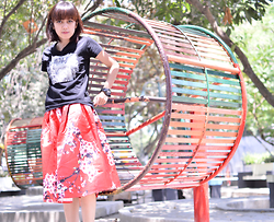 Sonya Ann Kovaleswani - Dressin Floral Pleated Skirt - Redowlicious.com is now online!