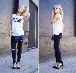 "Gigi Lam - Creme De La Fame Cdlf ""Muse"" Muscle Tee, Topshop Jamie Jeans, Jimmy Choo Black Pumps, Chanel Crossbody Chain Bag, Zerouv Round Glasses - M U S E"