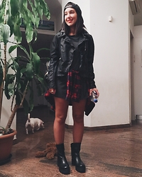 Francesca Schiavoni - Obey Snapback, Hollister Fake Leather Jacket, Subdued Long Tee, Levi's® Plaid Shirt, Marshall Made In Italy Biker Boots - Fourty Nine.