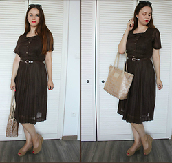Drew - Dress, Mary Kay Handbag - Grey mouse in brown