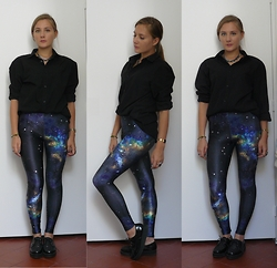 Juliette - Romwe Galaxy Legging - I AM NOT A ROBOT
