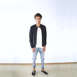 Christoph Amann - Zara Jacket, H&M Shirt, Fossil Watch, H&M Jeans, H&M Sneaker - 1 sun, 1 moon, 1 me, 1 you.