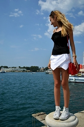 Iva S. - Sheinside Shorts, H&M Cami Top, Converse Sneakers, Accessorize Bag - Simplicity