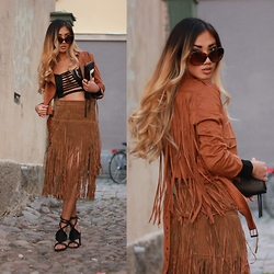 Louise Xin - Style Moi Suede Fringe Jacket, Style Moi Cut Out Crop Top, Style Moi Fringe Suede Skirt, Nelly Wrap Padded Sandals - Fringe obsession