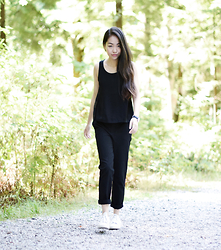 Meijia S -  - All black simple
