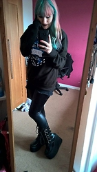 Koala Pyrolust - Qwertee Harry Potter Deathly Hallows Sweatshirt, Boohoo Wet Look Leggings, Demonia Swing - Wow the children