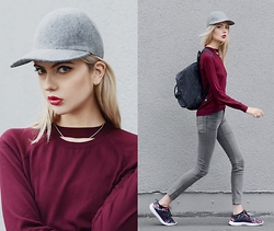 Ebba Zingmark - Stella Mccartney Cap, Chiquelle Top, Cheap Monday Jeans, Reebok Sneakers, Fjällräven Backpack, Jane Koenig Necklace - RED HEART GREY