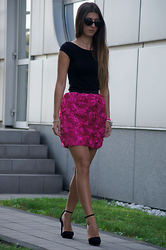 Tamy's Fashion World - Freyrs Sungalsses, H&M Shirt, Stradivarius Shoes - Pink flowers
