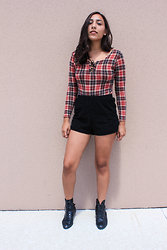 Lisa Gonzalez - American Apparel Shorts - Fall in love with plaid