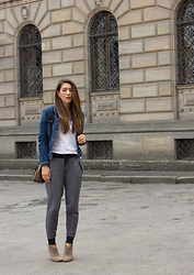 Annessa Smith -  - Joggers and Denim