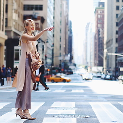 Leonie Hanne - Chloé Baylee Bag, Topshop Top, Valentino Heels, Marco Polo Pants - Concrete jungle | #NYFW