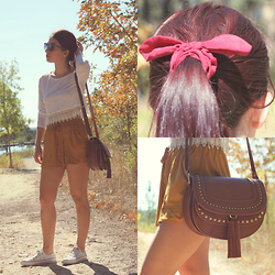 Adriana R. - Newdress Crochet Top, Romwe Brown Shorts, Mango Brown Bag, Converse All Star - SUEDE AND CROCHET FOR A SUNNY DAY