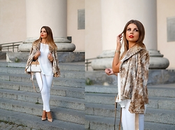 A piece of Anna . -  - Tara Jarmon beige fur coat