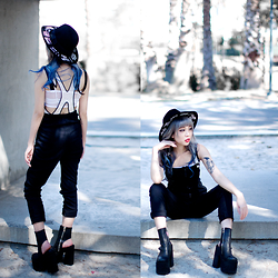 Essy Noir - Show Poni More Than Words Hat, Nün Bangkok Drop Out Dungarees, Unif Boyle Platform - Summer's End