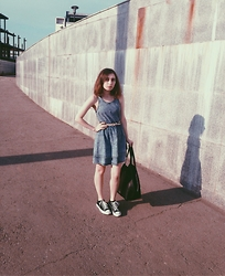 Oksana X. - Topshop Dress, Converse Shoes, Mohito Bag - Autumn sun