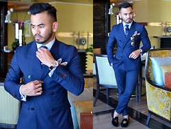 Paul Ramos - H&M Double Breasted Suit, Tm Lewin Shirt, Reiss Silk Tie, Bachelor Shoes Slippers, Guess Blue Ice Timepiece - CAPITAL DAPPER