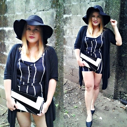 BeLL LurzZzzz - Cndirect Wide Brim Hat, Dressin Striped Jumpsuit, Newdress Clutch Bag, Cndirect Flat Shoes - Black and White