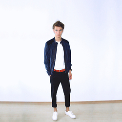 Christoph Amann - Zara Jacket, H&M Shirt, Zara Sneakers - Take me some place.