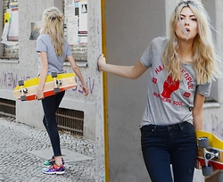 Ebba Zingmark - Otto Board, Lee Jeans, Happy People Tee, Adidas Sneakers, Read My Article At Two For Fashion - Northern soul