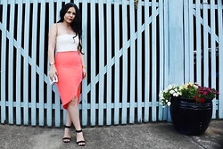 Kelsey Anderson - Missguided Tube Crop, L & K Boutique Skirt, L&K Boutique Clutch, Cartier Love Bangle, Marc By Jacobs Skeleton Watch - Simple go to look
