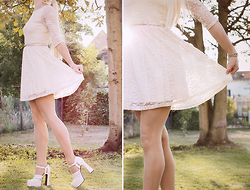Chris Gentner - Cameo Rose Cream Lace Dress, 2nd Hand Store Plateau Heels - Lace(y)