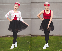 Elodie De Frise - Dresslink Mini Casual Party Skirt, Cache Cache Cardigan à Coeurs, Apple's Red Top - Trust me I can take you there ♫