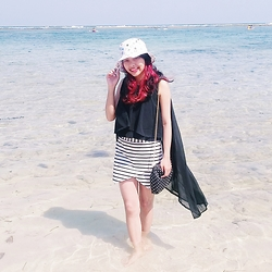 Andita Luan - Louis Vuitton Bucket Hat, Beatrice Black Asimetris Top, Zara Shorts Stripes, Handmade Sling Bag Polka - Black and Little Reddish