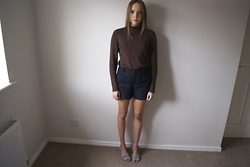 Lauren Woodward - The Mercantile Sweater, A.P.C. Shorts, Maryam Nassir Zadeh Sandals - Chocolate turtleneck